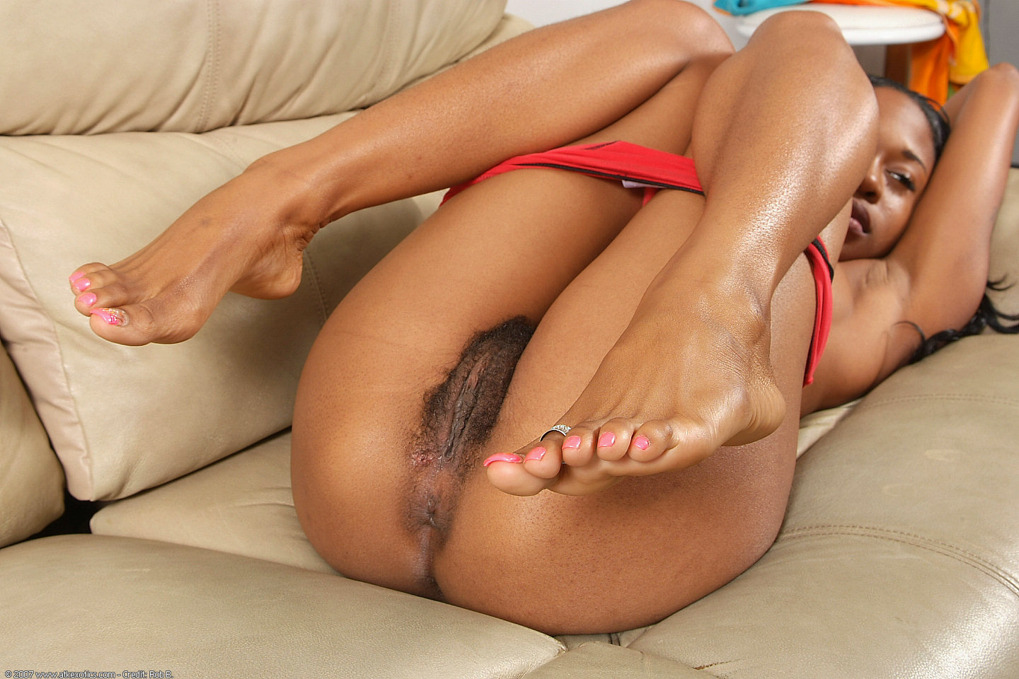 Ebony Dirty Feet Licking